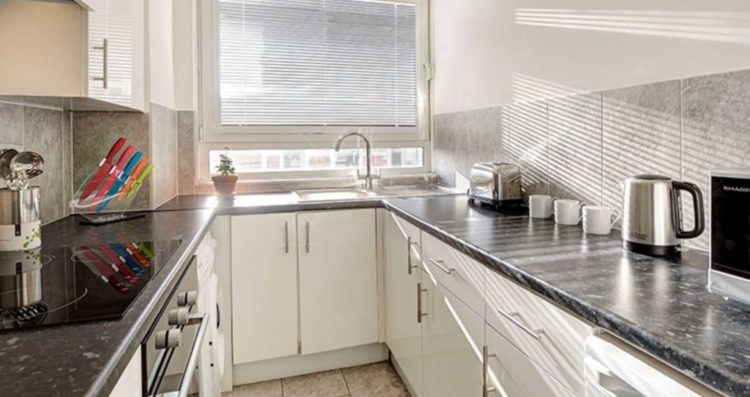 Central London Large One Bedroom Apartment – Albion Estates